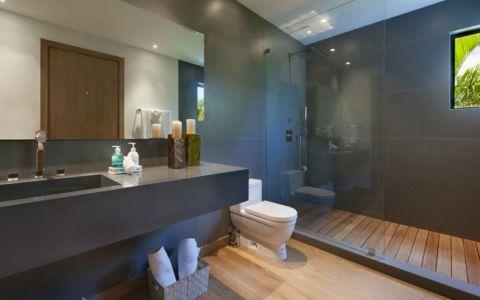 salle de bains secondaire - Miami Beach Home par Luis Bosch - Miami Beach, USA