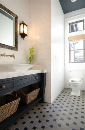 salle de bains toilettes - Maison typique par TTM Development company - Portland, Usa