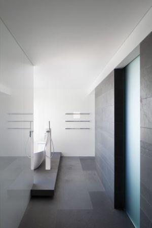 baignoire salle de bains - uneTrigg-Residence par Hiliam Architects - Trigg WA, Australie