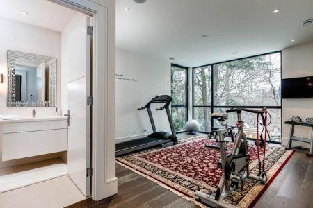 salle de sport - Ashley Park House par Barroso Homes - Toronto, Canada