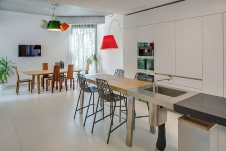 salle séjour - Urban-Eco-House par Tecon Architects - Bucuresti Roumanie