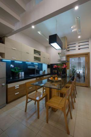 salle séjour & cuisine - NA-House par NatureArch Studio - HO Chi Minh, Vietnam