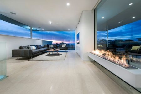 salon - City Beach House - par Banham Architects - Perth, Australie.jpg