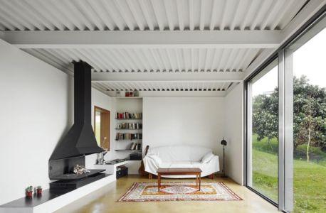 salon - Maison et atelier d'artiste par Miba architects - Gijón, Espagne