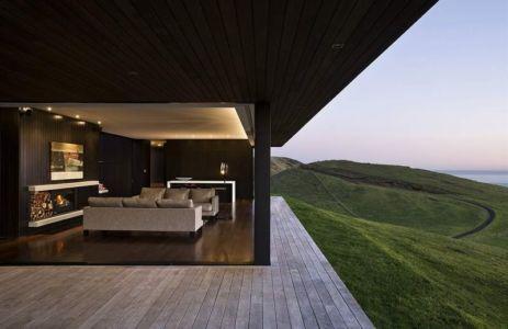 pièce de vie ouverte sur terrasse - Modern farmhouse par Pattersons - Muriwai, Nouvelle-Zélande