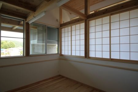 salon - Passive-House par Kikuma Watanabe - Kasugoaka, Japon