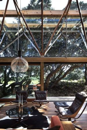 salon - Under Pohutukawa par Herbst Architects - Piha, Nouvelle-Zélande