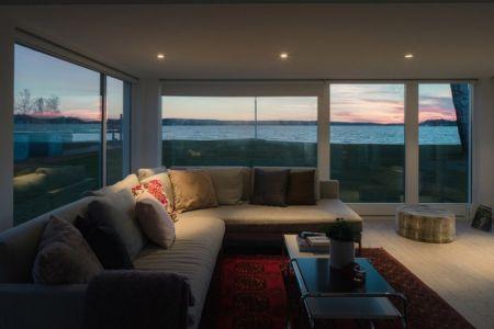 salon aire de repos - Maison contemporaine scandinave par Boris Culjat - Suède.jpg