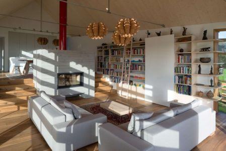 salon bibliothèque - Maison bois par BIRO GASPERIC - Velesovo, Slovenia