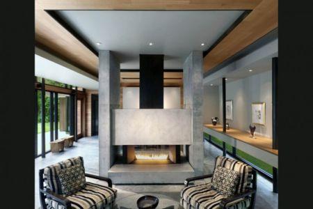 salon cheminée - Bray's Island SC Modern II par SBCH Architects - Sheldon, Usa