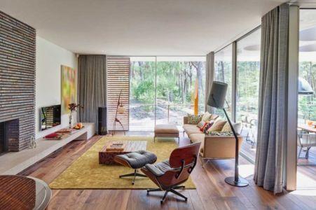 salon cheminée - The Dune Villa par HILBERINKBOSCH Architects - Utrecht, Pays-Bas