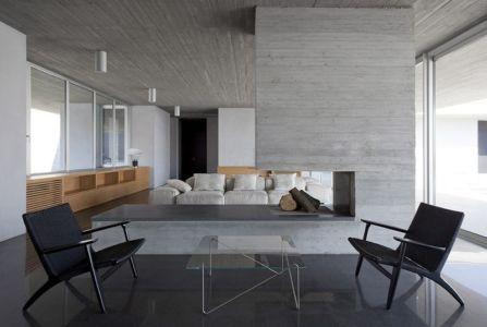 salon & cheminée design - Residenza Privata par Osa Architettura - Basilicata, Italie