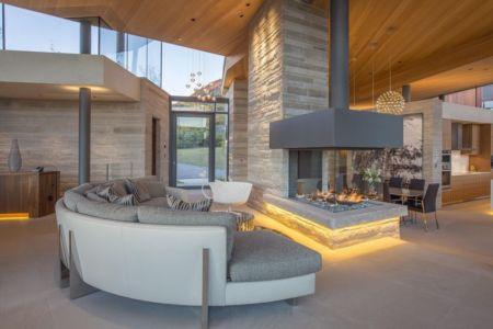salon & cheminée design - home-Colorado par Bill Poss - Colorado, USA