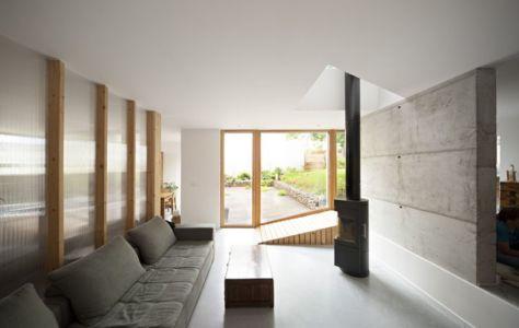 salon & cheminée design - vlb-maison-bbc par Detroit Architectes - Verrières-le-Buisson, France