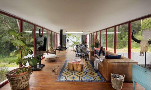 salon - chinkara house par Soliscolomer y asociados - guatemala