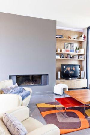 salon & coin TV - House-in-Lyon par Damien Carreres - Lyon, France
