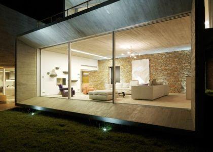 salon de nuit - Maison Le Cap par Pascal Grasso - Var, France