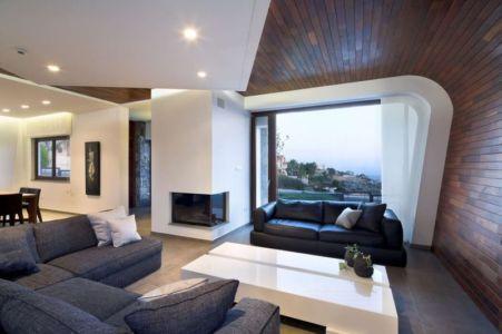 salon design & décoration lambris au mur et plafond - tsikkinis par Tsikkinis Architecture Studio - Limassol, Chypre