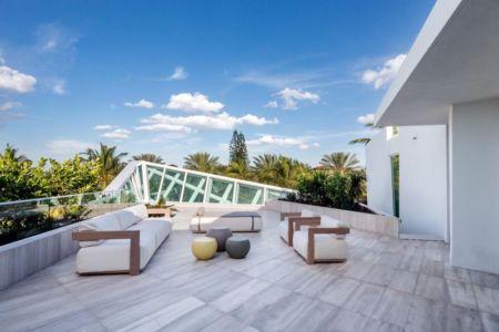 salon design sur toit terrasse - The Ark-480 Ocean Blvd par Relance New York - Floride, USA