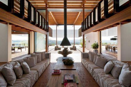 salon double & cheminée design - Quinta-House par CANDIDA TABET ARQUITETURA - São Paulo, Brésil