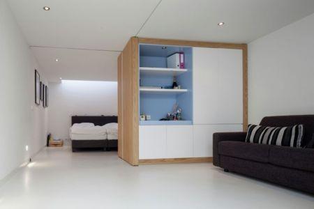salon & espace ouvert accès chambre - Watervilla par +31ARCHITECTS - Amsterdam, Pays-Bas