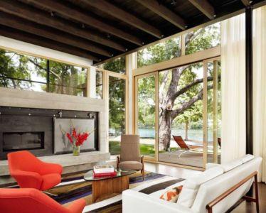 salon et cheminée - The Hog Pen Creek Residence par LakeFlato - Austin, Usa