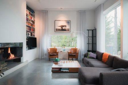 salon et cheminée - maison bois contemporaine par Gabriel Minguez - Ingarö, Suède