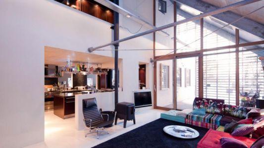 salon et cuisine - Donderen Barnhouse par aatvos - Donderen, Pays-Bas