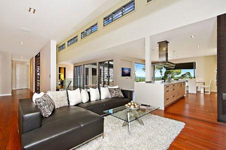 salon et cuisine - Treetops Residence par Artas Architects & D Pearce Constructions - Toowong, Australie