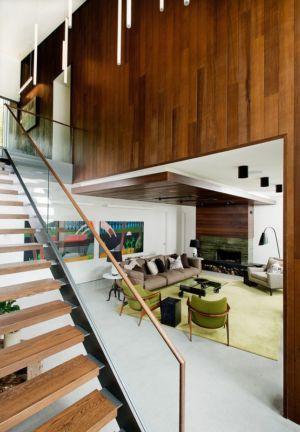 salon et escalier - Cedrus par Boom Town - Harrington, Canada