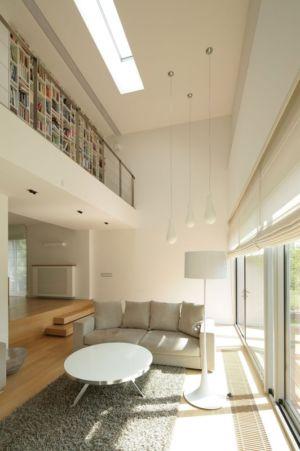 salon et mezzanine - Black Cube House par KameleonLab - Pologne