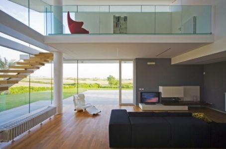 salon et mezzanine - Villa T by Architrend Architecture - Ragusa, Sicile, Italie