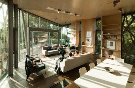 salon et séjour - Maggie's Oxford  par Wilkinson Eyre Architects - Oxford, Royaume-Uni