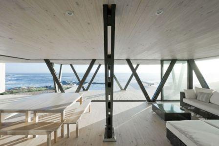 salon et séjour - Rambla House par LAND Arquitectos - Zapallar, Chili