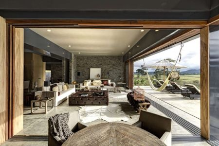 salon et terrasse - Casa BS par  Elías Rizo Arquitectos - Tapalpa, Mexique