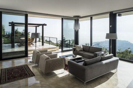 salon et terrasse - Tahan Villa par BLANKPAGE Architects - Kfour, Liban