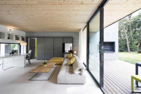 salon et terrasse - War house par A+B architectes - Montmorency, France