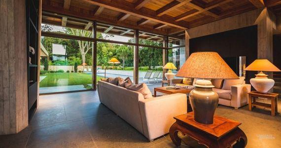 salon et vue extérieure - Villa Oasis - maison contemporaine en location - Biarritz, France