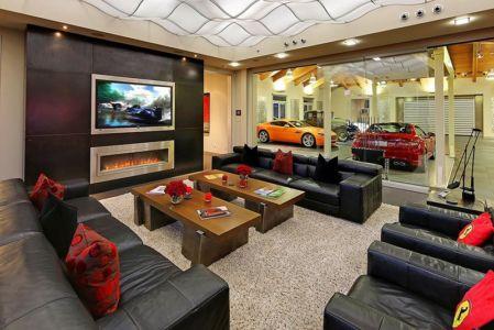 salon et vue sur garage - West Bellevue House - Washington, USA