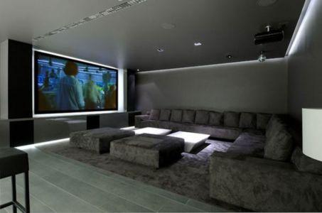 salon & grand écran TV - Concrete House par A-cero - Pozuelo, Espagne | + d'infos