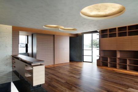 salon pièce vide - maison-urbaine par Artechnic - Japon