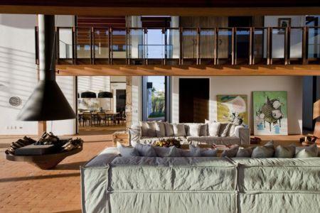 salon principale - Quinta-House par CANDIDA TABET ARQUITETURA - São Paulo, Brésil