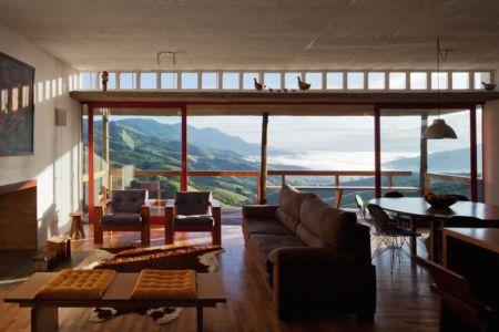 salon & séjour - Dom-Vicoso-House par Brasil Arquitetura - Dom Viçoso, Bresil