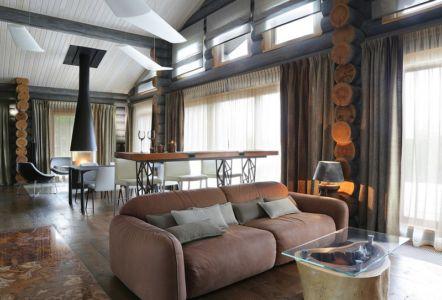 salon & séjour - Wooden Cottage par Elena Sherbakova près de Moscou, Russie