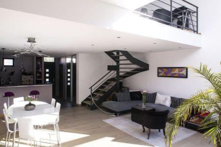 salon séjour escalier - Maisons jumelées par MAG architectes - France - photo Stéphano Candito