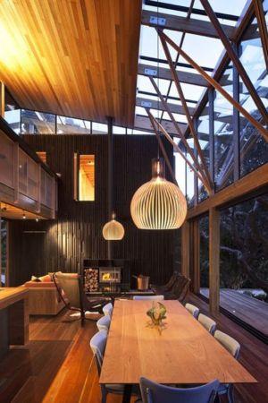 salon & séjour nuit - Under Pohutukawa par Herbst Architects - Piha, Nouvelle-Zélande