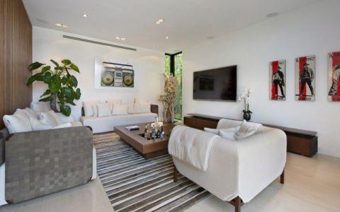 salon second étage & coin TV - Miami Beach Home par Luis Bosch - Miami Beach, USA
