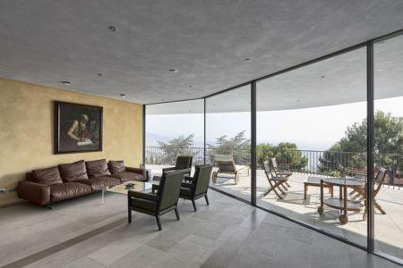 salon secondaire & terrasse salon design - Villa-La-Madone par A2cm - France