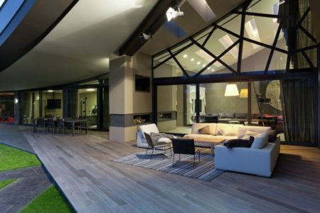 salon terrasse design - House-Kharkiv par Sbm studio - Kharkiv, Ukraine
