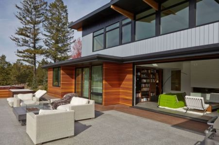 salon-terrasse-design-Lindal-Home-par-Turkel-Conception-Lindal-Cedar-Homes-canada | + d'infos